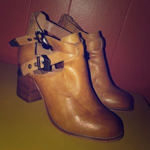 f27e0b3085b951 Zigi Soho Tan Leather Ankle Booties